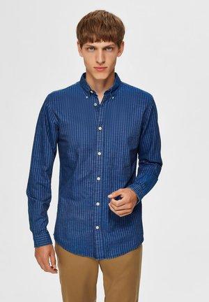 NOLAN - Shirt - medium blue denim