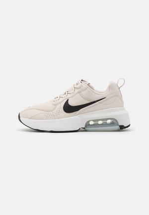 AIR MAX VERONA - Tenisky - light orewood burn/black/pure platinum/white