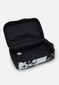 Nike Sportswear - UNISEX  - Torba sportowa - black/white - 2