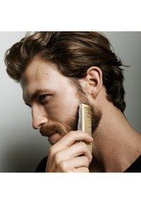 L'Oréal Men Expert - BARBER CLUB POMADE 75ML - Hair styling - - - 3