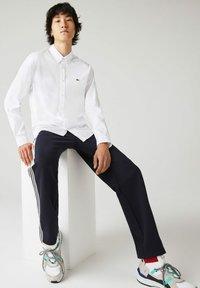 Lacoste - CH2933 - Formal shirt - blanc - 4