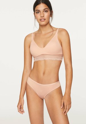 SEAMLESS LACE HIPSTER TANGA - String - nude