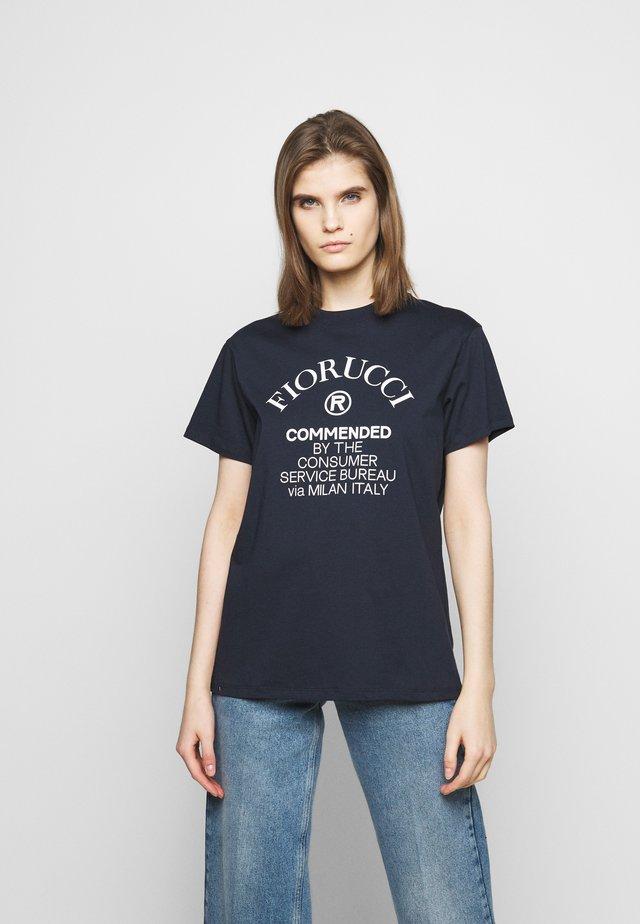 COMMENDED - T-shirt med print - navy
