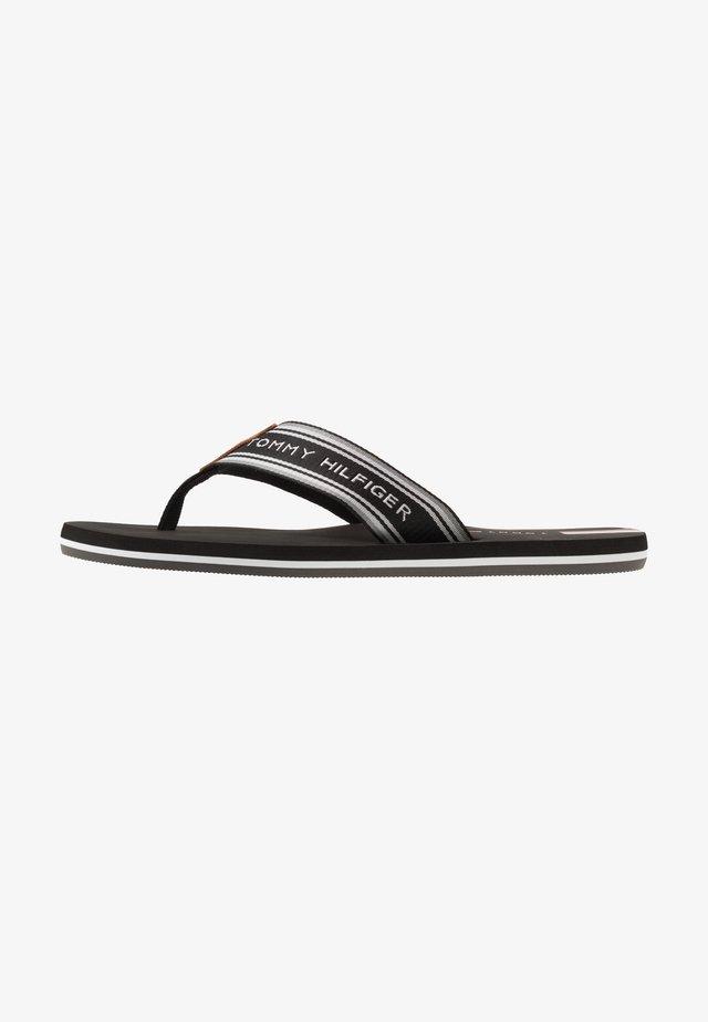 LOGO TAPE BEACH  - Sandaler m/ tåsplit - black