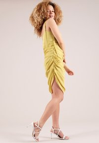 blonde gone rogue - GATHERED - Cocktail dress / Party dress - yellow - 5