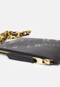 Versace Jeans Couture - THELMA MEDIUM POUCH - Across body bag - nero - 4