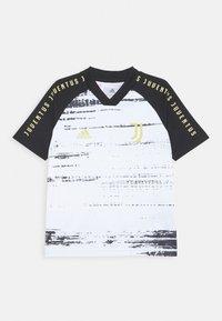 adidas Performance - JUVENTUS AEROREADY SPORTS FOOTBALL UNISEX - Klubové oblečení - white/black - 0