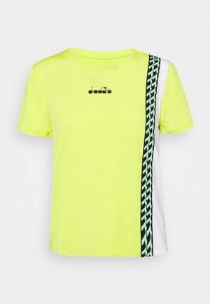 CHALLENGE - T-shirt med print - green spring