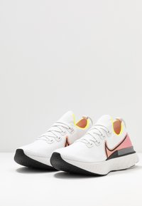 Nike Performance - REACT INFINITY RUN FK - Neutral running shoes - platinum tint/black/pink blast/total orange/lemon - 2