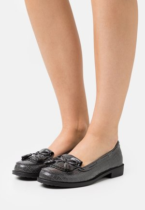 WIDE FIT LEXY TASSLE LOAFER - Loaferit/pistokkaat - grey