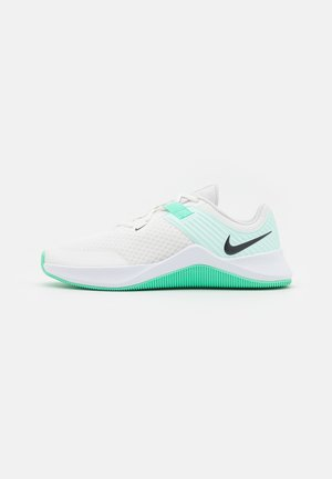 MC TRAINER - Sports shoes - summit white/dark smoke grey/igloo/green glow/white