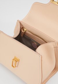 Coccinelle - MARVIN  LADY BAG - Handbag - nude - 3