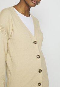 NA-KD - STEPHANIE DURANT BUTTONED CARDIGAN - Cardigan - beige - 5