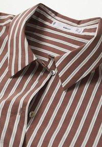 Mango - VERA-I - Button-down blouse - marron - 5