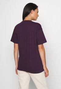 Carhartt WIP - SCRIPT - Print T-shirt - boysenberry/black - 2