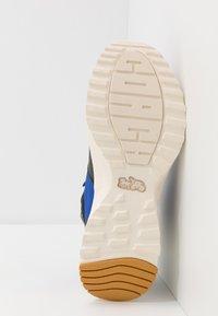 Coach - C250 TECH HIKER BOOT - Sneakers hoog - black/sport blue - 4