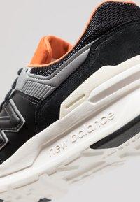 New Balance - CM 997 - Trainers - black - 5