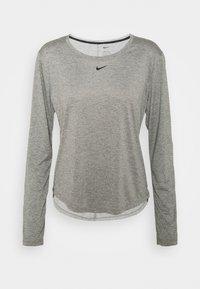 particle grey/heather/black