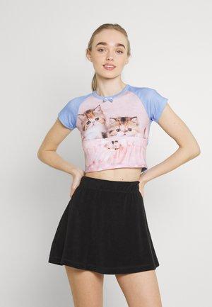 CUTE - T-shirts med print - multi