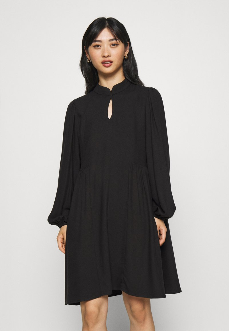 Selected Femme Petite - SLFJOFRID SHORT DRESS - Day dress - black