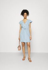 GAP - DRESS - Vestido vaquero - blue chambray - 1