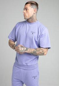 SIKSILK - RELAXED CREW - Print T-shirt - purple marl - 0