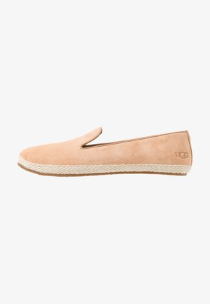 CAMRYN - Nazouvací boty - beige/nude