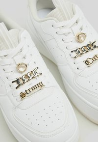 Bershka - Baskets basses - white - 5