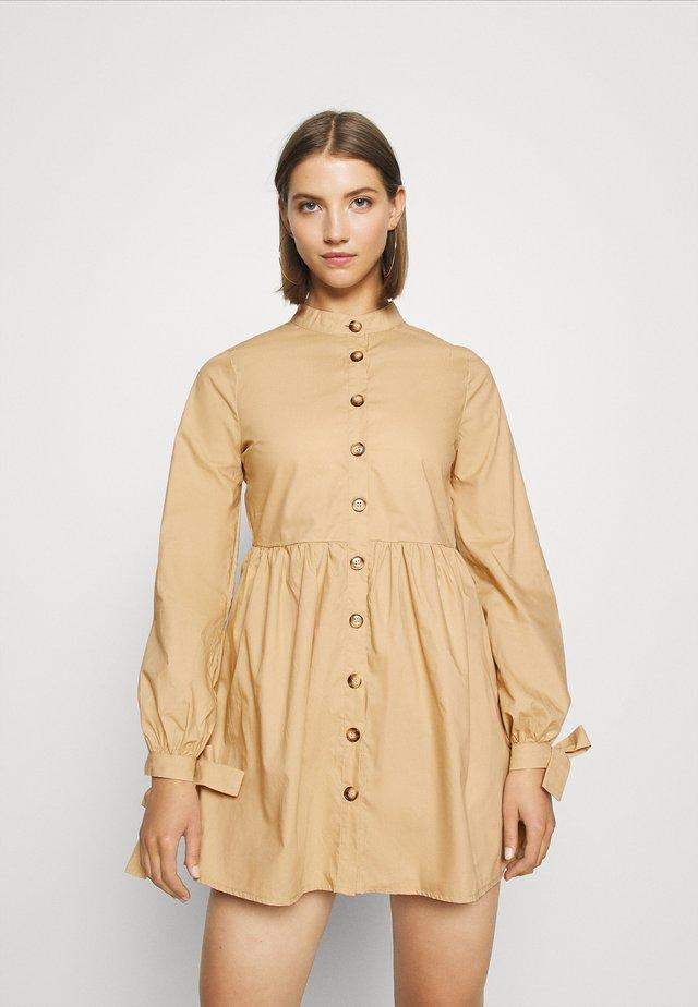TIE CUFF DRESS - Robe chemise - stone