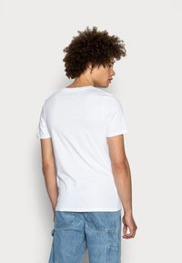 Jack & Jones - JJECORP LOGO CREW NECK  - T-shirt con stampa - white - 2