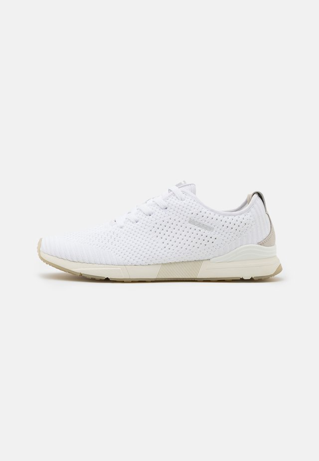 BRENTOON RUNNING - Trainers - white