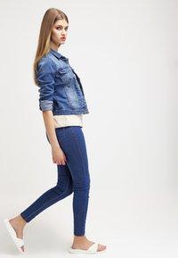 ONLY - ONLNEW WESTA - Kurtka jeansowa - medium blue denim - 1