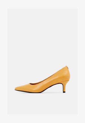 MAIA  - Pumps - amber yellow