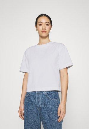 BASIC TEE - Jednoduché triko - white
