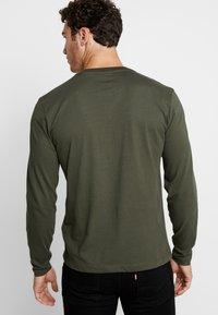 Calvin Klein - LOGO LONG SLEEVE  - Long sleeved top - green - 2
