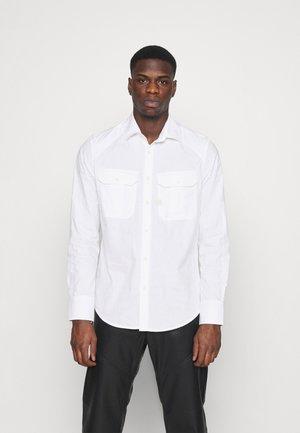 POLICE SLIM SHIRT L\S - Overhemd - white