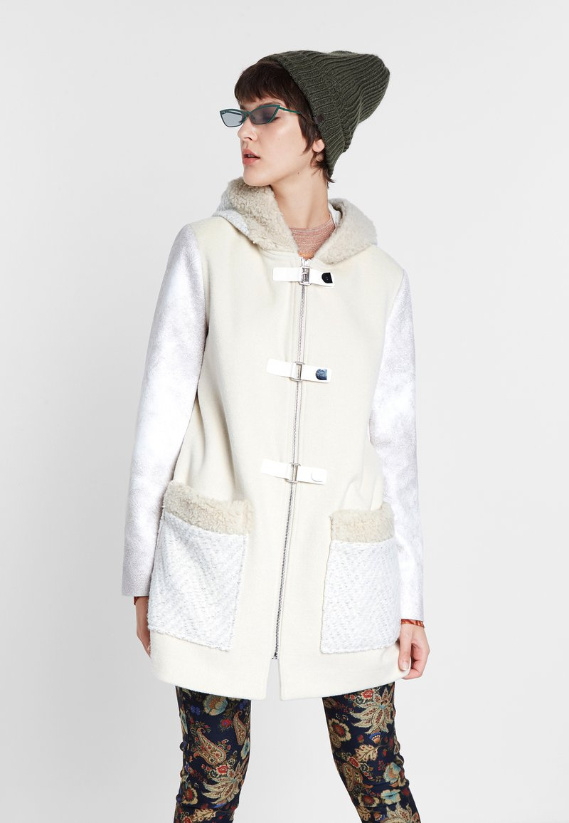 Desigual - BJORN - Cappotto corto - white