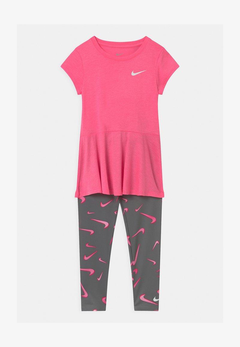 Nike Sportswear - SET - Leggings - smoke grey