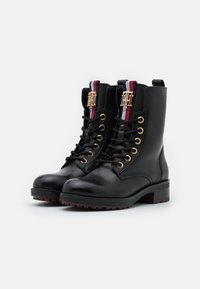 Tommy Hilfiger - ESSENTIAL BOOT - Lace-up ankle boots - black - 2