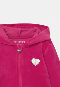 Guess - BABY SET UNISEX - Baby gifts - pink - 3