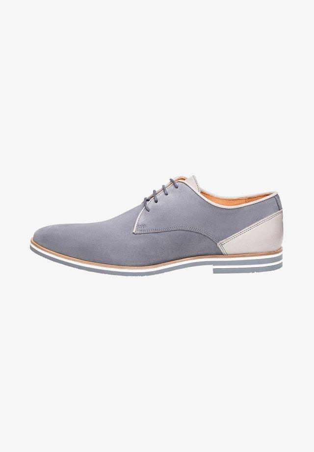 NO. 5301 - Derbies - grey