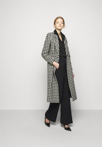 Theory - PULL ON DEMITRIA - Trousers - black - 1