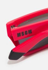 MSGM - POLAROID UNISEX - Occhiali da sole - red - 3