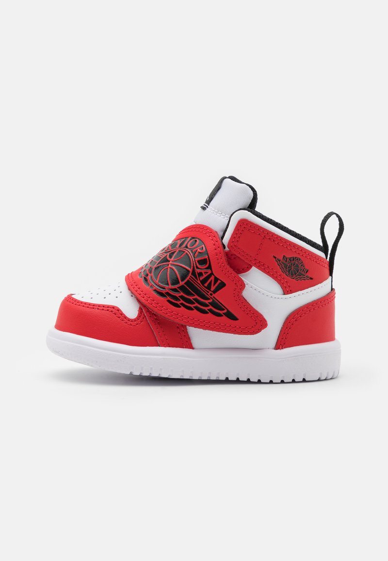 Jordan - SKY 1 UNISEX - Basketbalové boty - white/black/university red