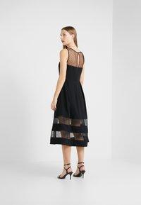RIANI - Vestido de cóctel - black - 2