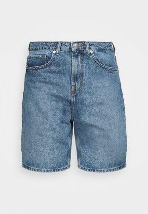 CLASSIC DAD - Denim shorts - light wash