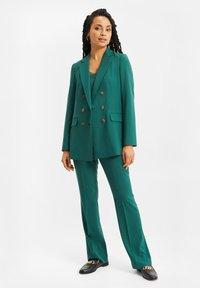 WE Fashion - Halflange jas - green - 1