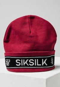 SIKSILK - Beanie - rio red - 1