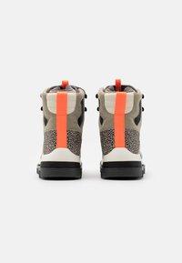 adidas by Stella McCartney - EULAMPIS - Vinterstøvler - tech beige/core black/solar orange - 2