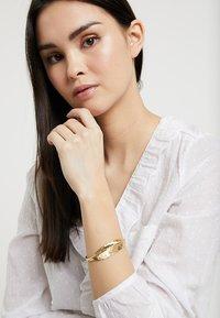 TomShot - Bracelet - gold - 1
